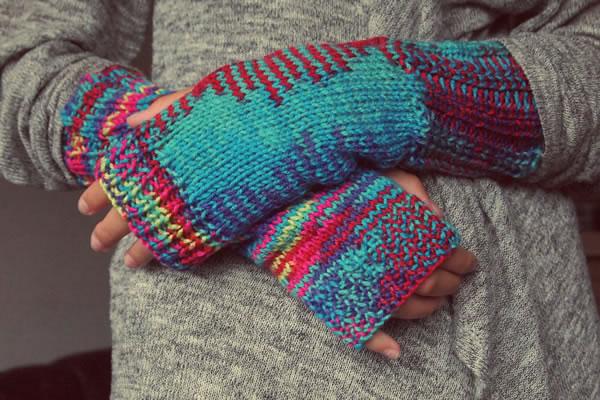 bien au chaud avec de gants de laine